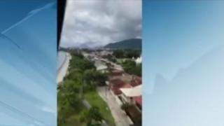Βραζιλία: Καρέ καρέ η συντριβή ελικοπτέρου – Σκοτώθηκε ένας πεζός