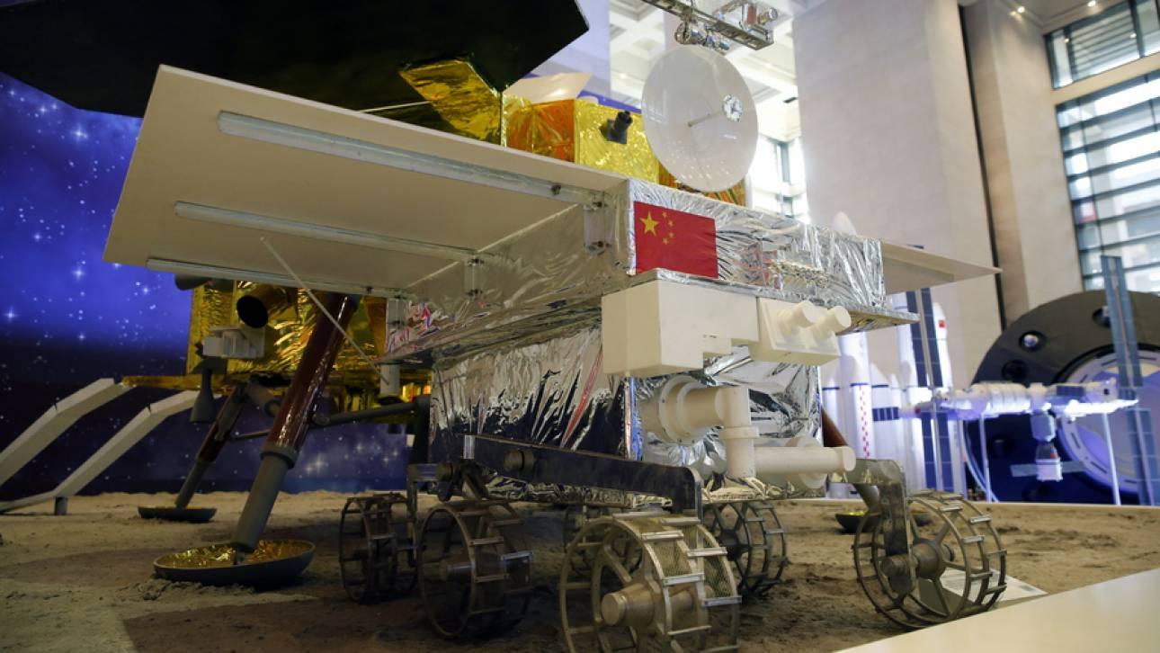 Ιστορική προσεφάδιση στην σκοτεινή πλευρά της Σελήνης: Το κινεζικό Jadehase 2 συλλέγει δεδομένα
