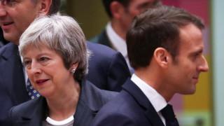 Μακρόν σε Μέι: Αυτή είναι η καλύτερη συμφωνία για το Brexit