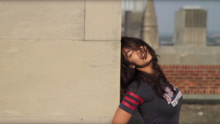 Η «φλογερή» βιενιαμίν του Κογκρέσου απαντά στο «σκανδαλώδες» βίντεο που χορεύει με νέο… χορό!