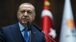 Νέο παραλήρημα Ερντογάν από τη Σμύρνη: «Θα ρίξω τους ποταπούς Έλληνες στη θάλασσα»