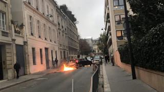 Παρίσι: H πρέσβειρα της Σουηδίας έψαχνε την αστυνομία μέσα στο χάος για μία φλεγόμενη... κούτα