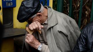 Δημογραφική «βόμβα»: Τουλάχιστον 800.000 λιγότεροι Έλληνες μέχρι το 2035