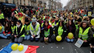 Γαλλία: Οι γυναίκες πήραν τη σκυτάλη στις διαμαρτυρίες των «Κίτρινων Γιλέκων»