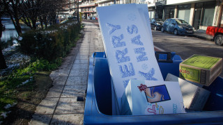 Θεσσαλονίκη: Τόνοι σκουπιδιών «πνίγουν» την πόλη λόγω της χιονόπτωσης