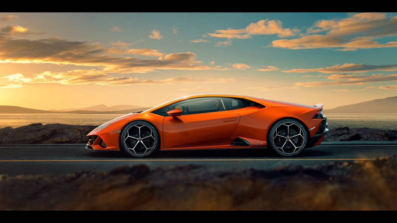 https://cdn.cnngreece.gr/media/news/2019/01/07/160951/photos/snapshot/LAMBORGHINI-HURACAN-EVO-1.jpg