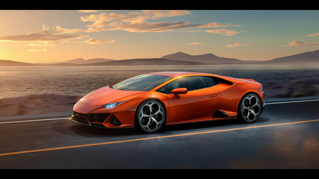 https://cdn.cnngreece.gr/media/news/2019/01/07/160951/photos/snapshot/LAMBORGHINI-HURACAN-EVO-4.jpg