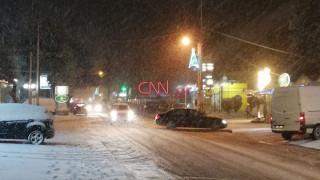 Κακοκαιρία «Τηλέμαχος»: Ο χιονιάς «σαρώνει» την Αττική - Ποια σχολεία θα παραμείνουν κλειστά