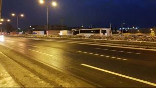 Χιόνια στην Αθήνα: Άνοιξε η Αθηνών - Λαμίας - Ποιοι δρόμοι παραμένουν κλειστοί