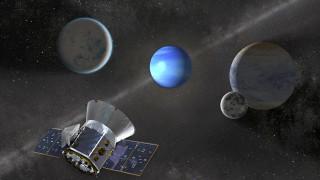 NASA: Το τηλεσκόπιο TESS ανακάλυψε και τρίτο εξωπλανήτη, τριπλάσιο της Γης