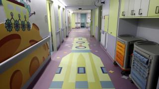 Πύργος: Συγκινεί η μάχη για τη ζωή που δίνει 7χρονος που καταπλακώθηκε από πόρτα