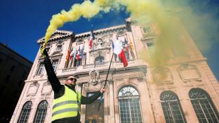 Δυσαρέσκεια στο Παρίσι μετά την υποστήριξη Ντι Μάιο - Σαλβίνι στα «κίτρινα γιλέκα»