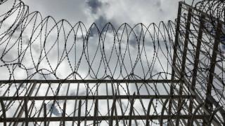 Φυλακές Κασσάνδρας: Κρατούμενος απείλησε σωφρονιστικό με ξυράφι και χτύπησε με τσάπα τον αρχιφύλακα
