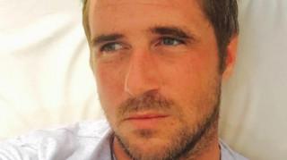 Νεκρός γνωστός Βρετανός δημοσιογράφος με ειδίκευση στις... συνωμοσίες