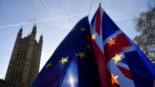 Βρετανία: «Πέρασε» τροπολογία που «δένει τα χέρια» της κυβέρνησης για Brexit χωρίς συμφωνία