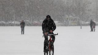 Επιμένει η «Υπατία»: Χιόνια, καταιγίδες και πολλά μποφόρ