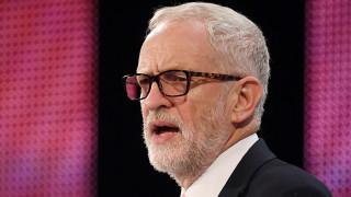 Ο Κόρμπιν θα ζητήσει εκλογές αν η Μέι χάσει στην ψηφοφορία για το Brexit