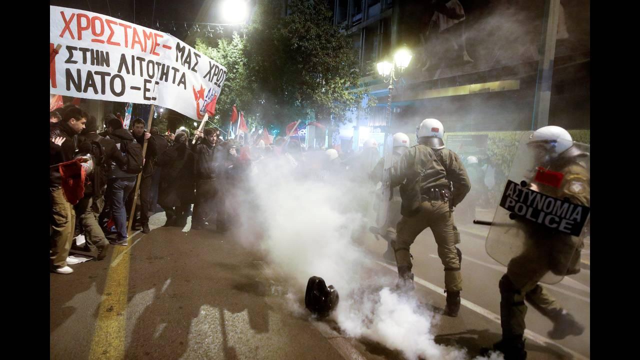 https://cdn.cnngreece.gr/media/news/2019/01/10/161398/photos/snapshot/2019-01-10T185418Z_460463223_RC1A542EF7E0_RTRMADP_3_GREECE-GERMANY-MERKEL.JPG