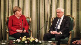 Χαμένοι στη… μετάφραση: Το πρόβλημα κατά τη συνάντηση Παυλόπουλου-Μέρκελ