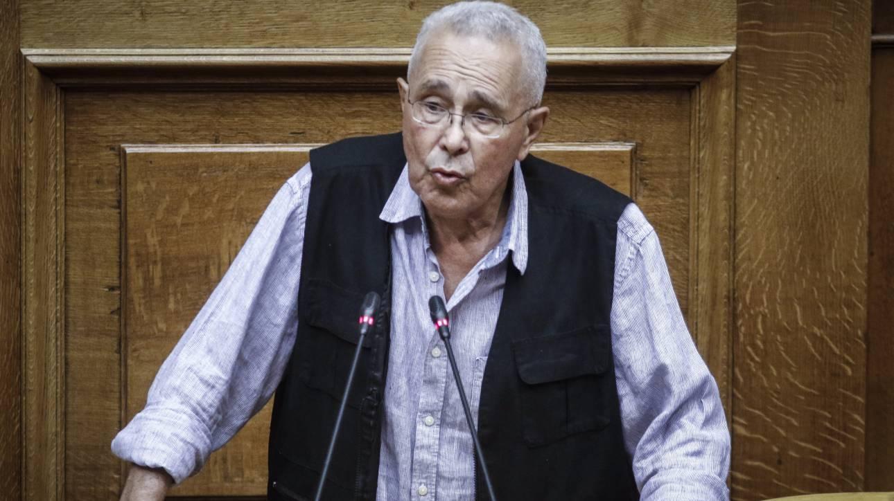 Ζουράρις: Η κυβέρνηση σακατεύει τη Μακεδονία, αλλά... τη στηρίζω!