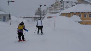 «Θάφτηκαν» στο χιόνι στην Αυστρία: Στρατιωτικά ελικόπτερα διέσωσαν 66 μαθητές
