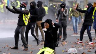Φορτηγό χτύπησε και σκότωσε διαδηλωτή των «κίτρινων γιλέκων» στο Βέλγιο