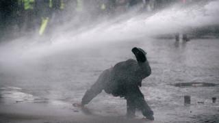 Γαλλία: Επεισόδια, χημικά και συλλήψεις στο 9ο «ραντεβού» των «κίτρινων γιλέκων»