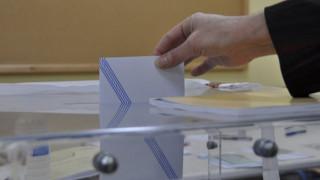 Η εκλογική αβεβαιότητα φρενάρει την οικονομία