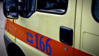 Τροχαίο δυστύχημα στην Αθήνα: Οδηγός έπεσε σε σταθμευμένο όχημα