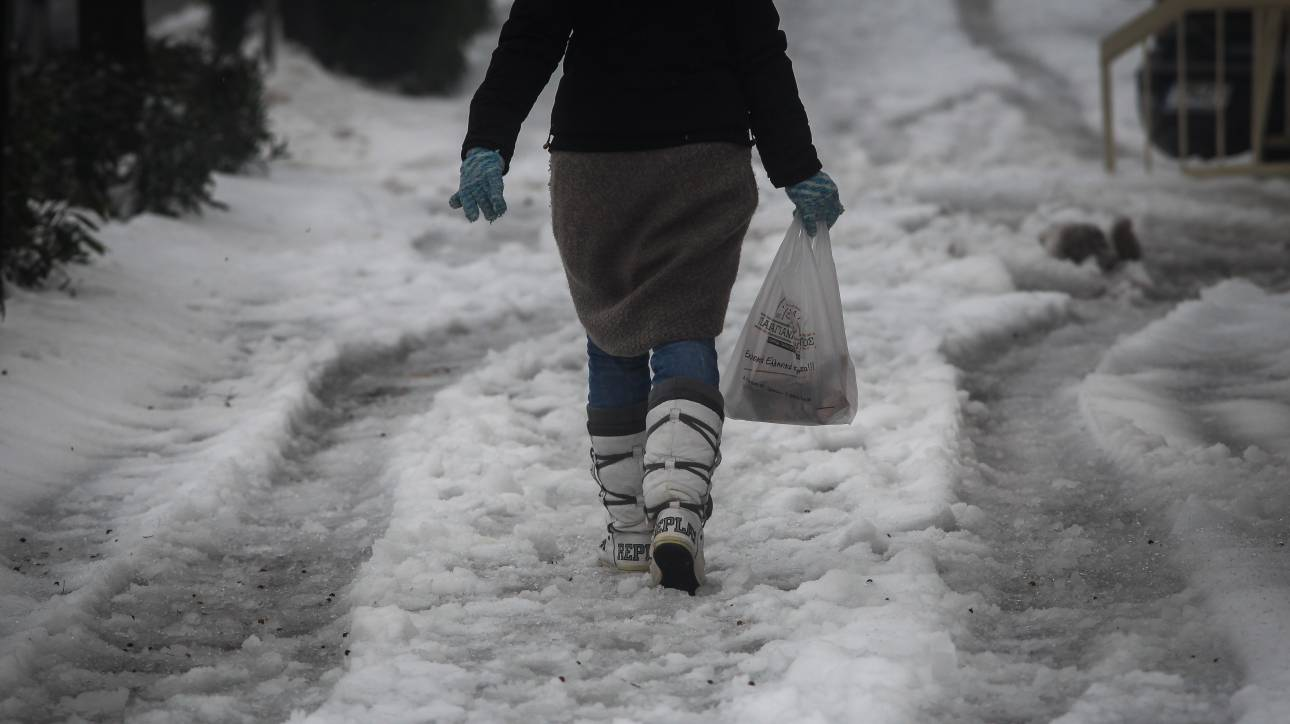Καιρός: Επιδείνωση του καιρού τη Δευτέρα - Πού αναμένονται χιόνια και καταιγίδες