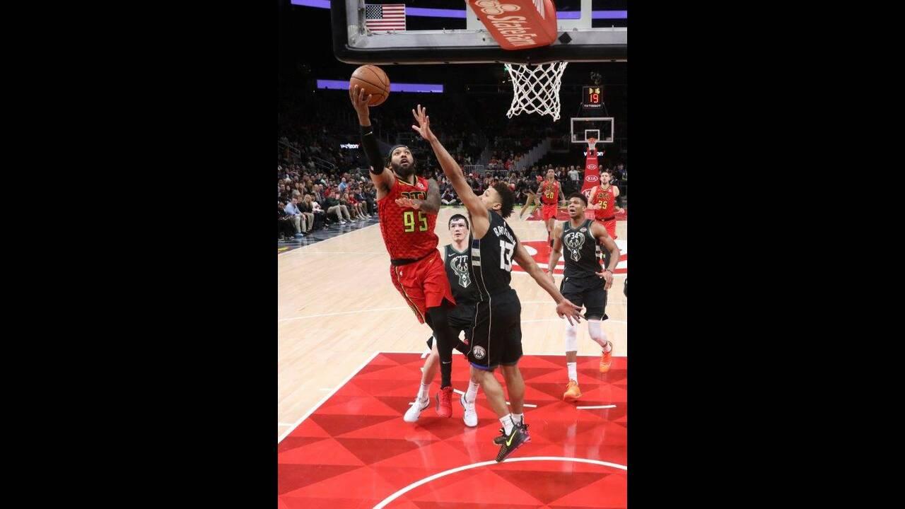 https://cdn.cnngreece.gr/media/news/2019/01/14/161787/photos/snapshot/2019-01-13T220110Z_1358933378_NOCID_RTRMADP_3_NBA-MILWAUKEE-BUCKS-AT-ATLANTA-HAWKS.jpg