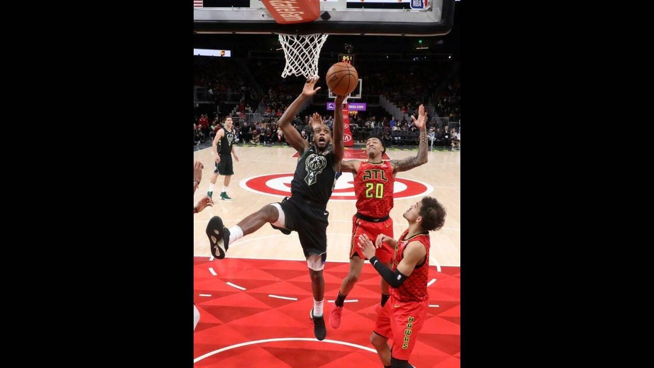 https://cdn.cnngreece.gr/media/news/2019/01/14/161787/photos/snapshot/2019-01-13T234744Z_396443299_NOCID_RTRMADP_3_NBA-MILWAUKEE-BUCKS-AT-ATLANTA-HAWKS.jpg