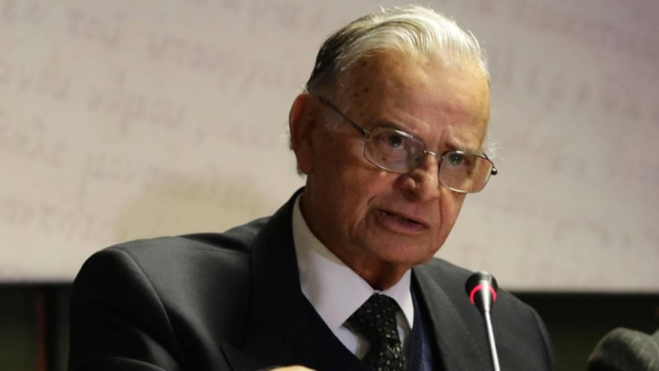 Πέθανε ο σπουδαίος ιστορικός και φιλόλογος Σαράντος Καργάκος...