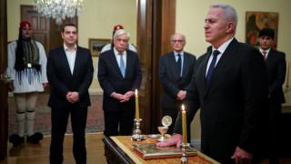 Ορκίστηκε ο νέος υπουργός Εθνικής Άμυνας, Ευάγγελος Αποστολάκης