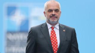 Ράμα όπως... Τσίπρας: Ανέλαβε το αλβανικό ΥΠΕΞ