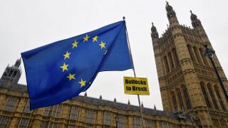 Βρετανία: Βουλευτής ανέβαλε την... καισαρική της για να ψηφίσει για το Brexit
