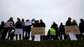 Γαλλία: Πρόστιμο 135 ευρώ σε όποιον φοράει κίτρινο γιλέκο στην επίσκεψη Μακρόν