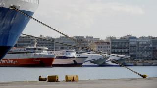Κακοκαιρία: Δεμένα πλοία λόγω των ισχυρών ανέμων