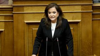 Ψήφος εμπιστοσύνης: Μπακογιάννη κατά Καμμένου και ΣΥΡΙΖΑ
