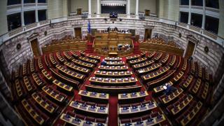 Συμφωνία Πρεσπών: «Χαμός» με τη σύσταση της Επιτροπής Άμυνας στη Βουλή
