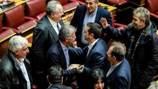 Οι έξι βουλευτές που έσωσαν την κυβέρνηση του Αλέξη Τσίπρα