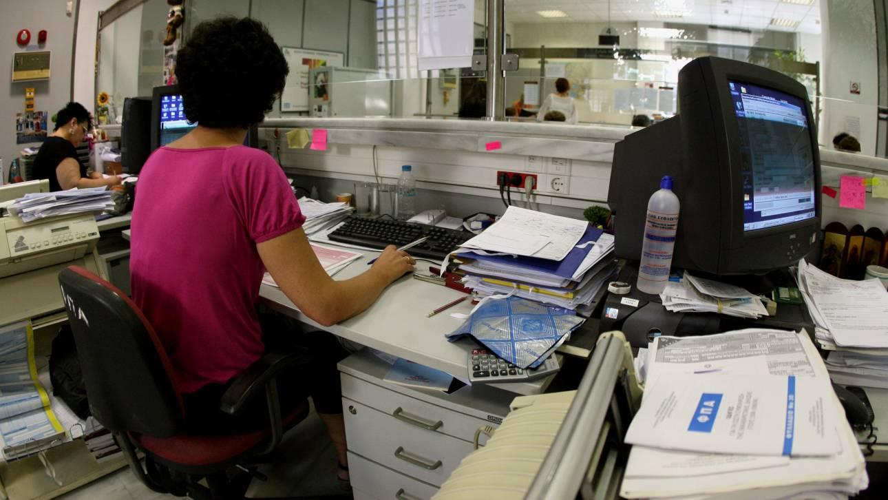 Μαζικές μετακινήσεις ελεγκτών στις εφορίες Αθήνας και Θεσσαλονίκης