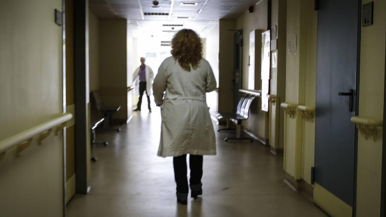 Ασθενής μαχαίρωσε νοσηλεύτρια στο «Ερυθρός Σταυρός»