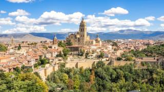 Ισπανία: Άγαλμα του Σατανά που χαμογελάει και βγάζει σέλφι προκαλεί σφοδρές αντιδράσεις