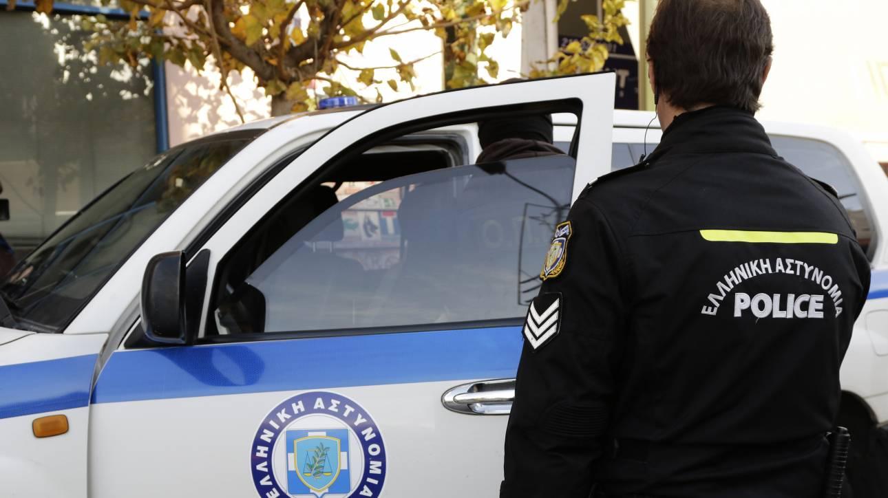 Πανικός στον Πειραιά: Έκλεψαν αυτοκίνητο, τράκαραν και συνελήφθησαν