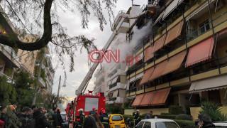 Μεγάλη φωτιά σε διαμέρισμα στη Νέα Σμύρνη - Tουλάχιστον δύο τραυματίες