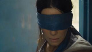 Σάλος με σκηνή στο «Bird Box» του Netflix - Ποια κυβέρνηση ζητά την απόσυρσή της και γιατί