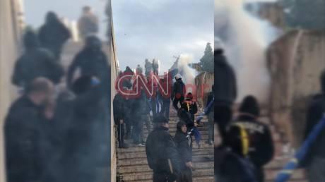 Συλλαλητήριο για τη Μακεδονία: Ομάδα διαδηλωτών επιχείρησε να μπει στη Βουλή