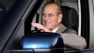 Αδιόρθωτος ο 97χρονος πρίγκιπας Φίλιππος μετά το τροχαίο: Ξανά στο τιμόνι και χωρίς ζώνη!