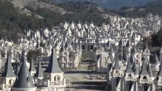 «Απόκοσμες» εικόνες στην Τουρκία: Η «στοιχειωμένη» πόλη με τα 732 ερειπωμένα κάστρα